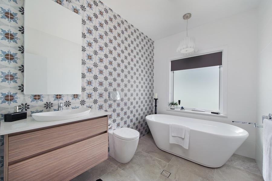 1.10 bch - display home - Shelly Beach - man bathroom
