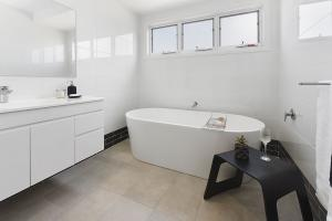 8 home styling - savcorp builders - Port Macquarie -  styled by Designing Divas